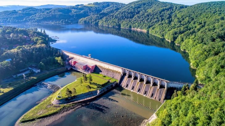 A new UFZ study has revealed that dams release twice as much carbon as they store.