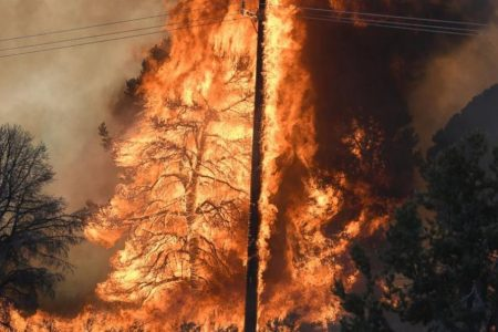 Extreme heat triggers fires in Arizona