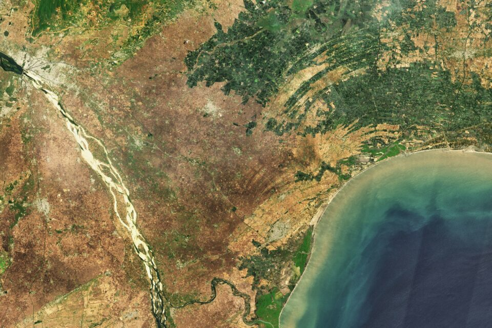 Today's Image of the Day from NASA Earth Observatory features a dense area of inland aquaculture ponds along the Upputeru River in Andhra Pradesh