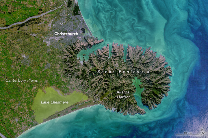 On the east coast of the island, the topography shifts dramatically on Banks Peninsula, which was an active volcanic complex until about 6 million years ago.