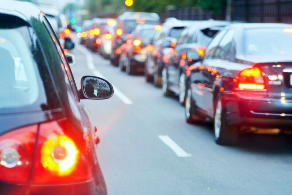 exposure to air pollution and road traffic noise over the course of many years can increase the risk of heart failure